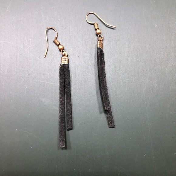 Jewelry - Black leather earrings